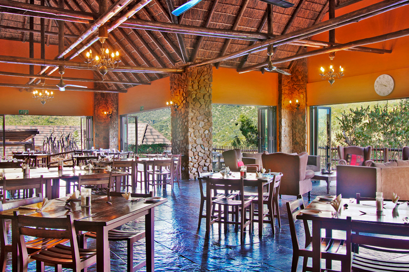Le Fera Restaurant and Bar via www.mabalingwe.co.za