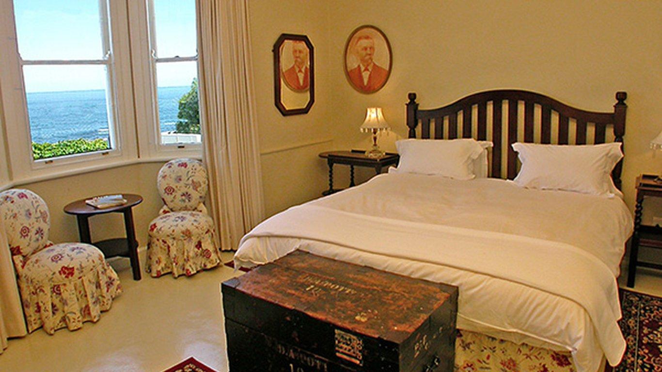 Bingley Place Villa In Camps Bay Cape Town