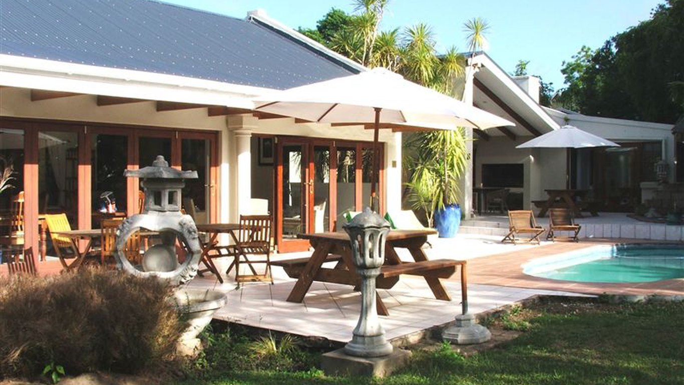 Romesleigh house guest house in george best price guaranteed for Guest house cost