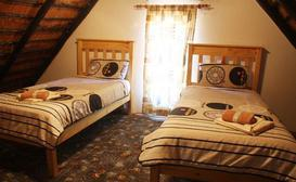 Town Hopper Accommodation & Spa image