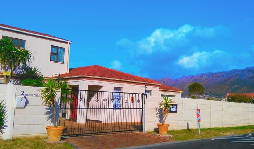 Bay Breeze Guesthouse in Gordon's Bay, Western Cape , South Africa