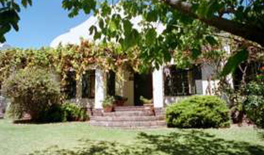 Cape Links Guest House in Somerset West, Western Cape, South Africa