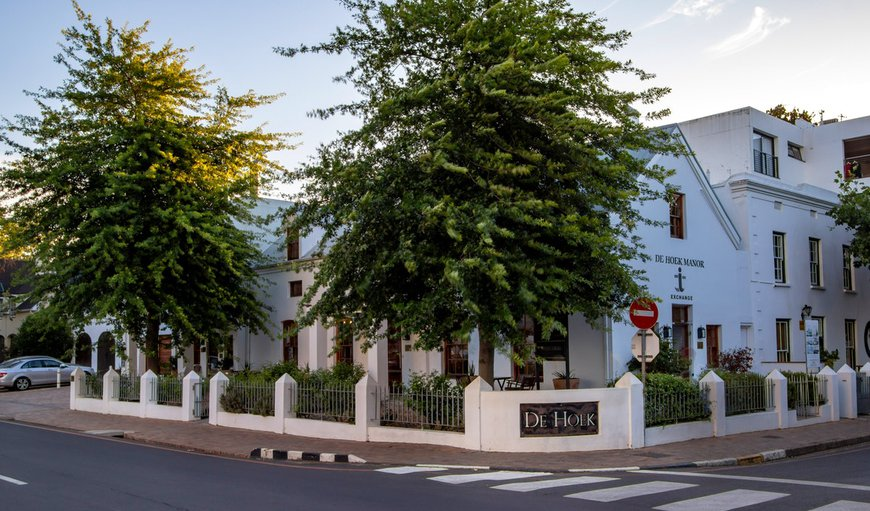 De Hoek Manor and Rozenhof Guest Accommodation is ideally situated in the historical centre of the university town of Stellenbosch.