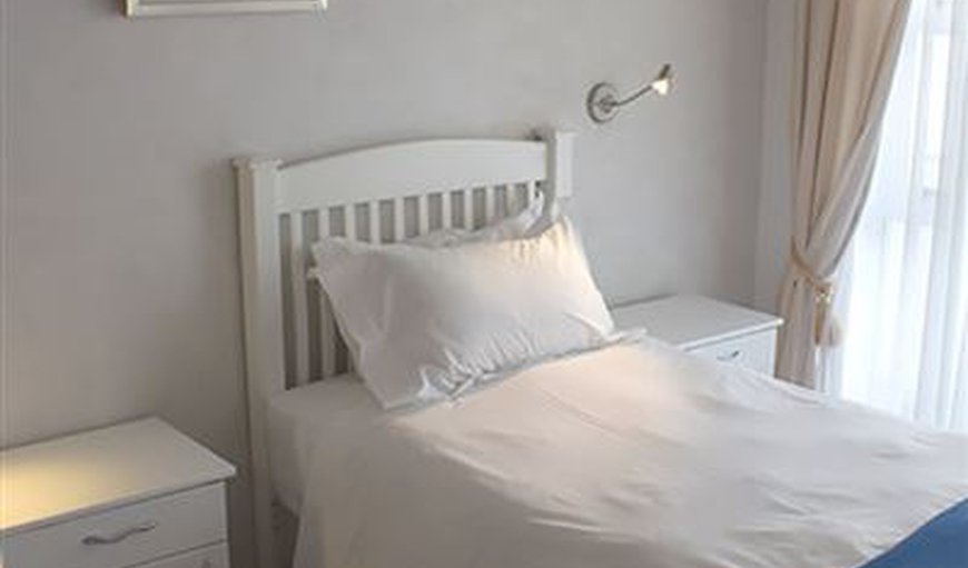 No 3 bedroom with option as 2 x single beds or 1 x King size bed