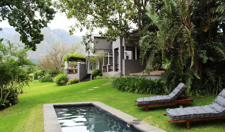 Arumvale Country House is situated in Swellendam's beautiful Hermitage Valley, a short twenty-five minute walk or three kilometre drive from Swellendam's historic town centre.