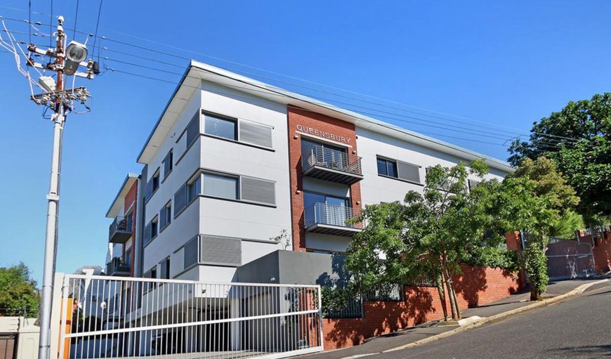 Ateljee is a brand new, top floor, three bedroom apartment, situated in the suburb of Oranjezicht.