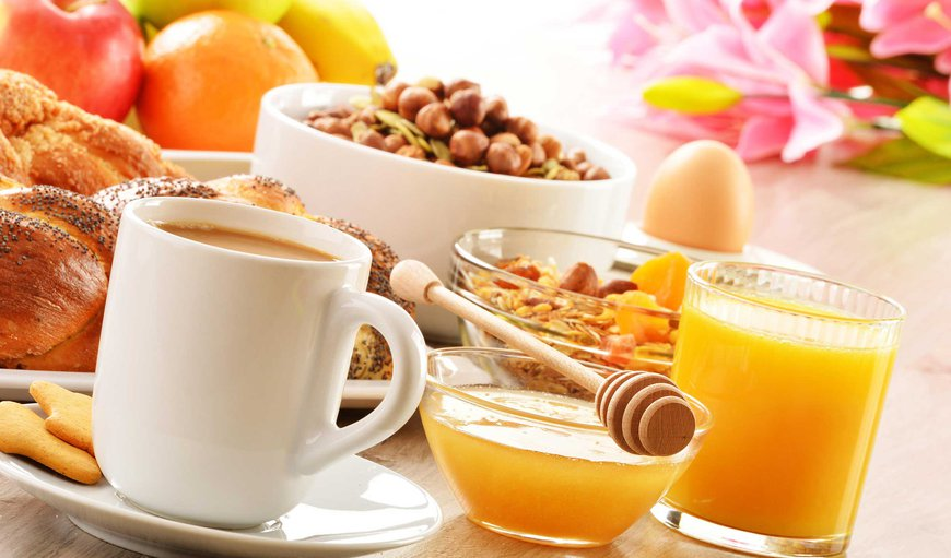 Continental breakfast is included and is served from 7am