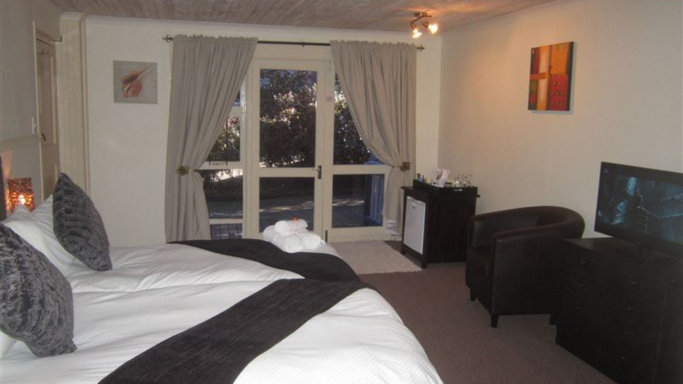 Knysna Herons Guest House in Old Place, Knysna — Best Price