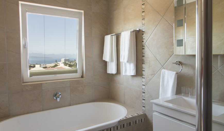 Symphony Suite bath room: