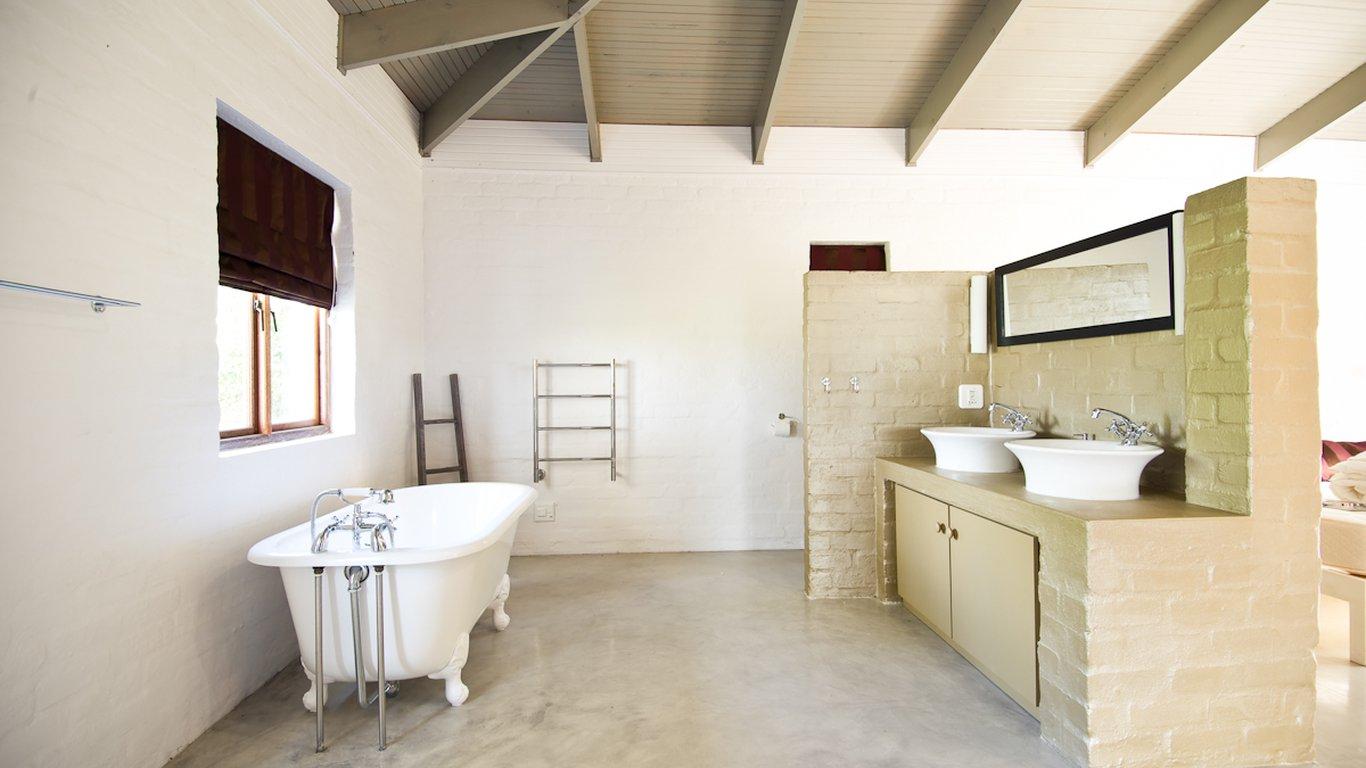 Springfontein Sleeps in Stanford — Best Price Guaranteed