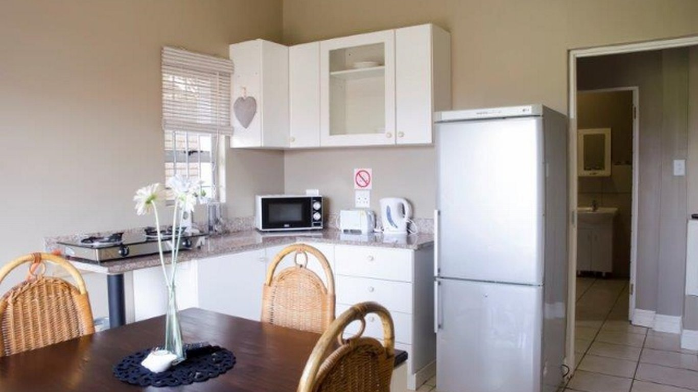 Silver Tides Seaside Accommodation in Bluff, Durban — Best Price ...