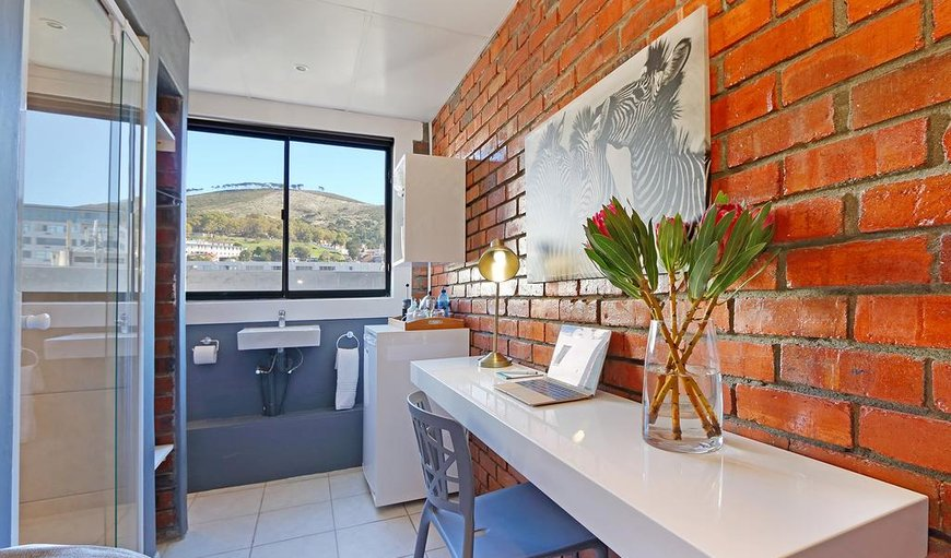 Single En-suite - City/Mountain View in Cape Town City Centre / CBD, Cape Town, Western Cape , South Africa