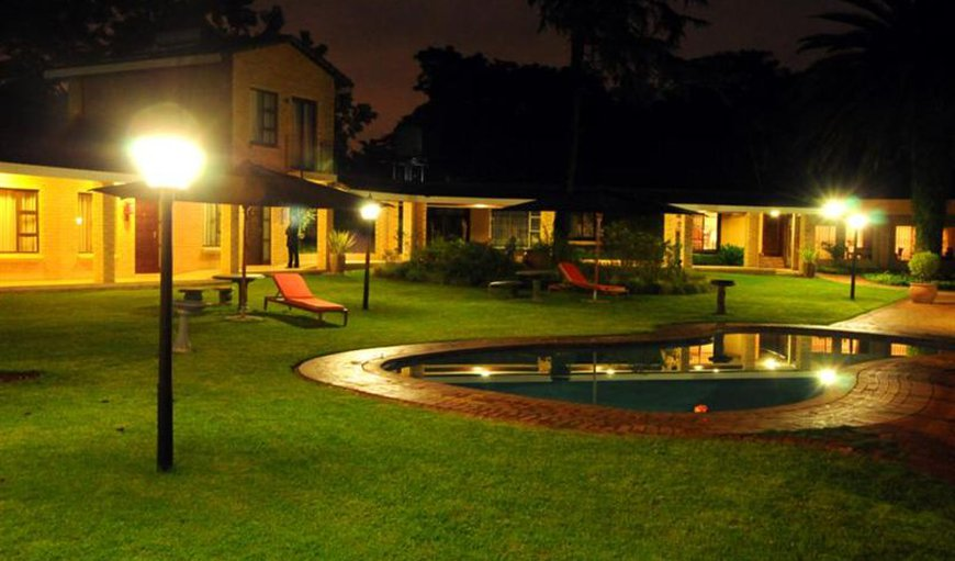 Hoyohoyo Chartwell Lodge in Fourways, Johannesburg (Joburg), Gauteng, South Africa