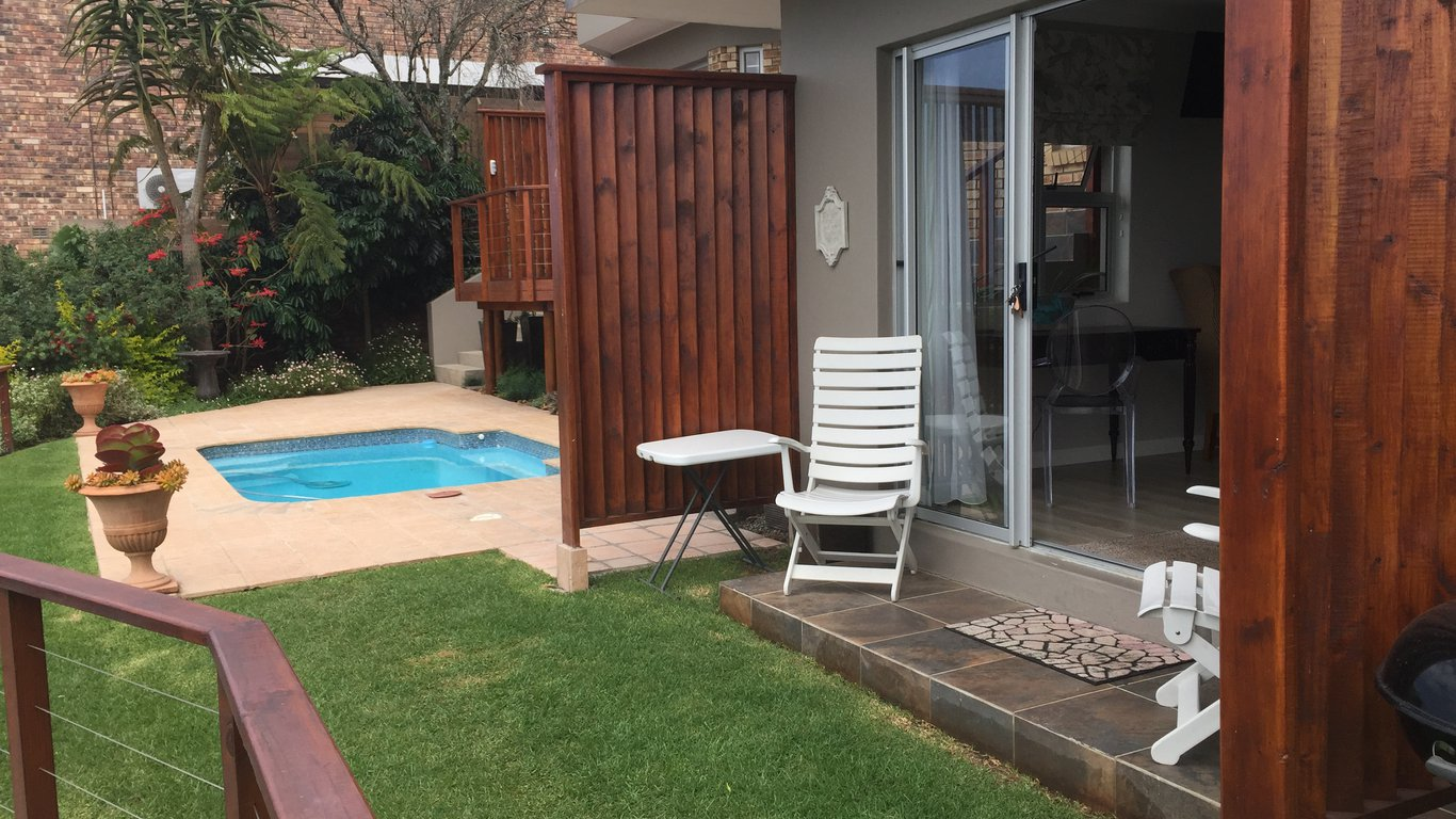 A river rest b b in beacon bay east london best price for 22 river terrace rockrose
