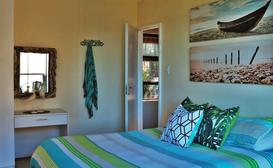 Cristal Cove Guest House image