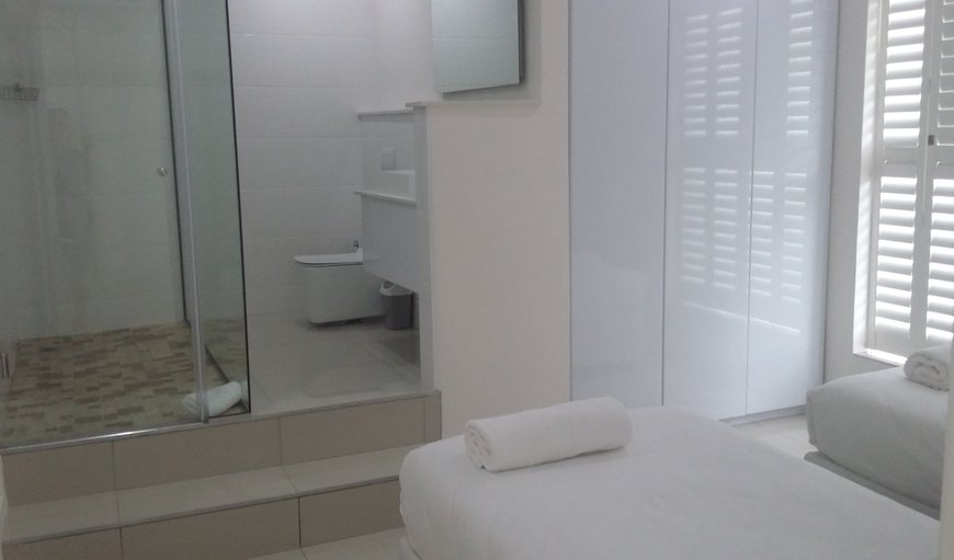 Penthouse self catering apartment's en-suite bathroom of 3rd bedroom