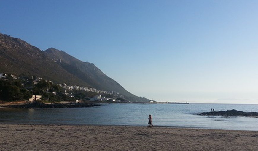 Gordons Bay has a family-friendly sandy main beach - just a 300m walk from Big Skies Guesthouse.