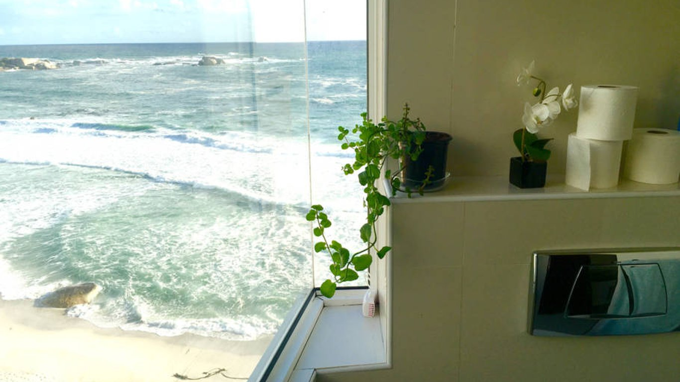 Clifton Beach Penthouse in Clifton, Cape Town — Best Price Guaranteed