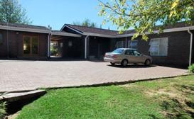 Phokeng Gardens Bed and Breakfast image