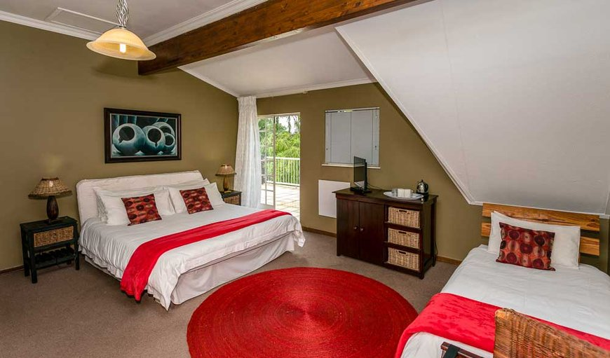 Family Room en-suite Bath and shower. 