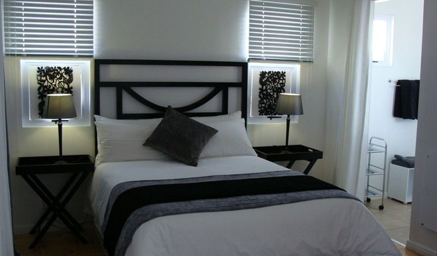 En-suite bedroom with queen bed and balcony in Southern Paarl, Paarl, Western Cape , South Africa