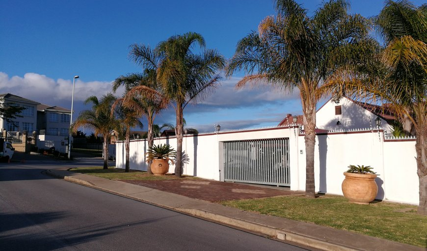 Welcome to Pongola Road Self Catering Accommodation in Uitenhage, Eastern Cape, South Africa
