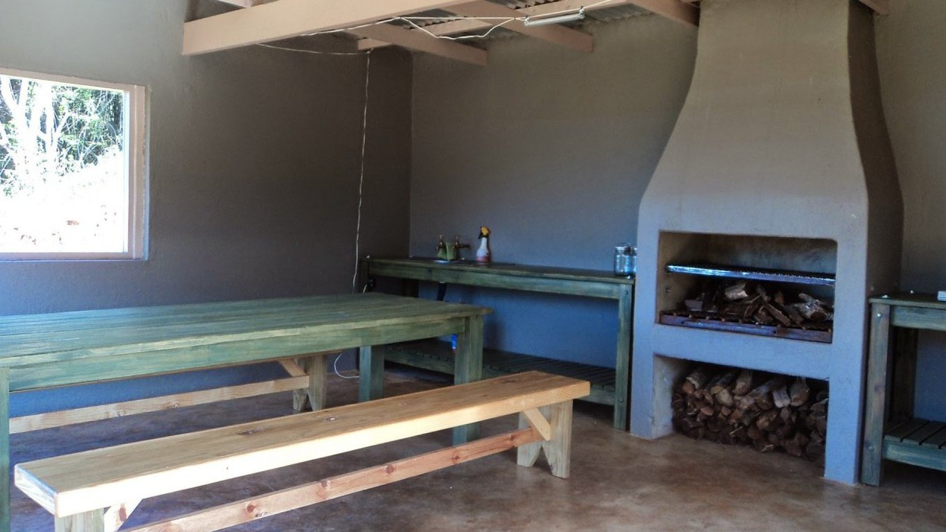 Dining area Coral Tree Campsite in Magoebaskloof