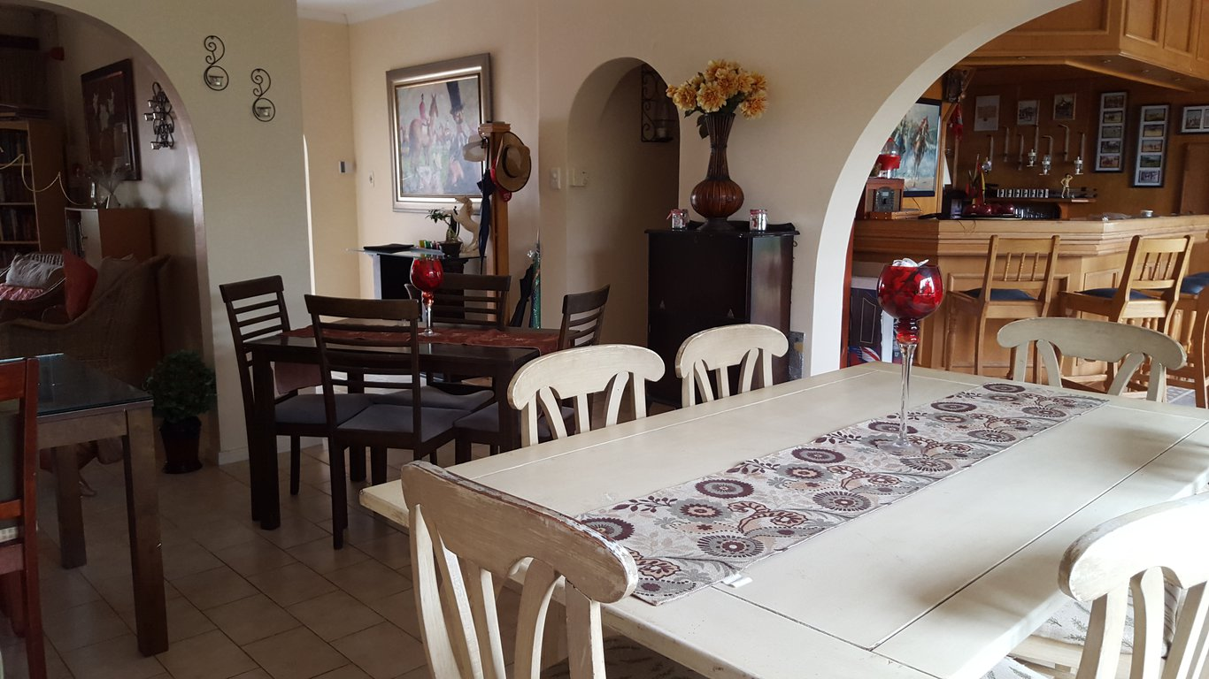 Old n new bed and breakfast in umhlanga best price for Q significa dining room
