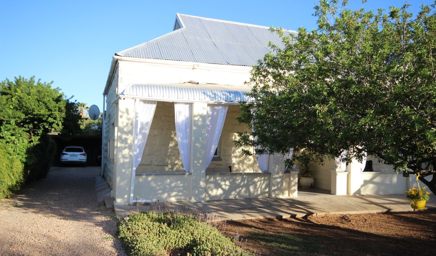 Front view of cottage in Oudtshoorn, Western Cape, South Africa