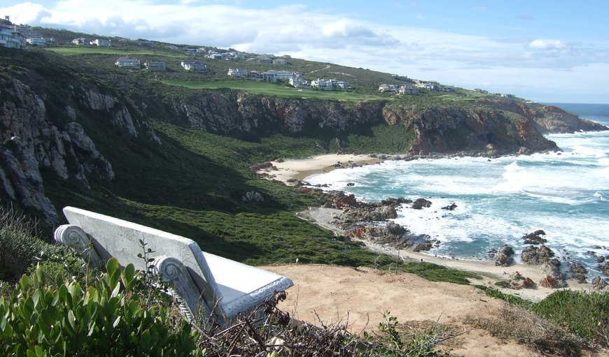 The St. Blaize hiking trail & the longer Oystercatcher trail pass through Pinnacle Golf Estate.