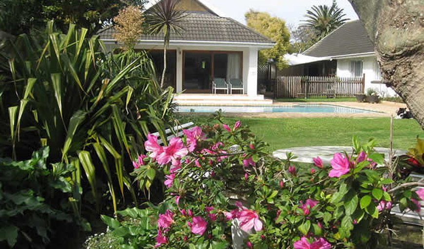 Welcome to Wilmot Cottages in Summerstrand, Port Elizabeth, Eastern Cape, South Africa