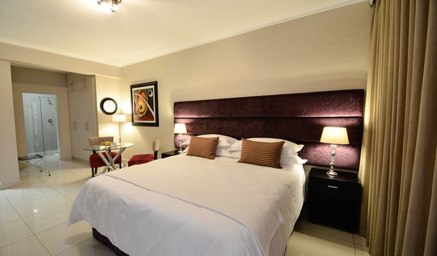 The luxurious and spacious self-catering studio apartment with king sized bed in Vredenburg, Western Cape, South Africa