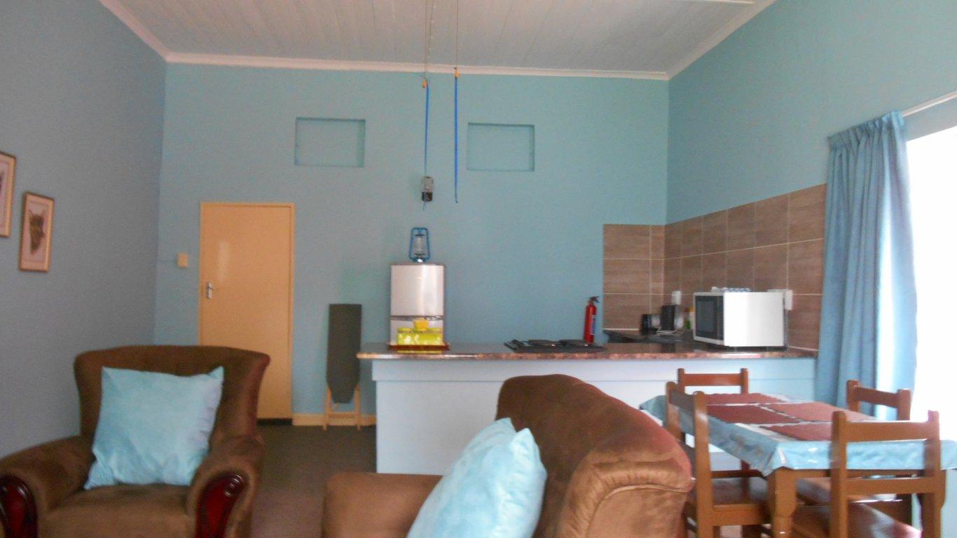 Obesa Lodge in Graaff Reinet — Best Price Guaranteed