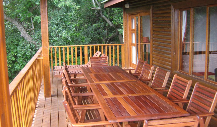 Deck with Table, Chairs and Gas braai