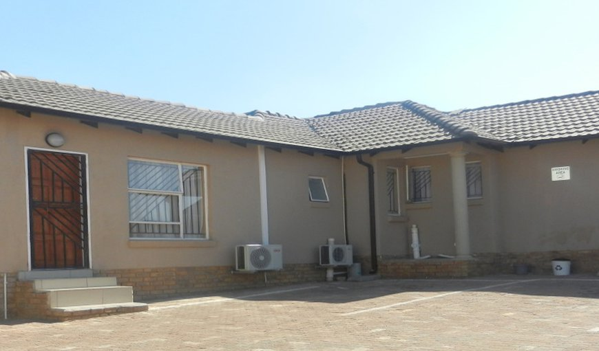 Cosmo Lodge in North Riding, Randburg, Gauteng, South Africa