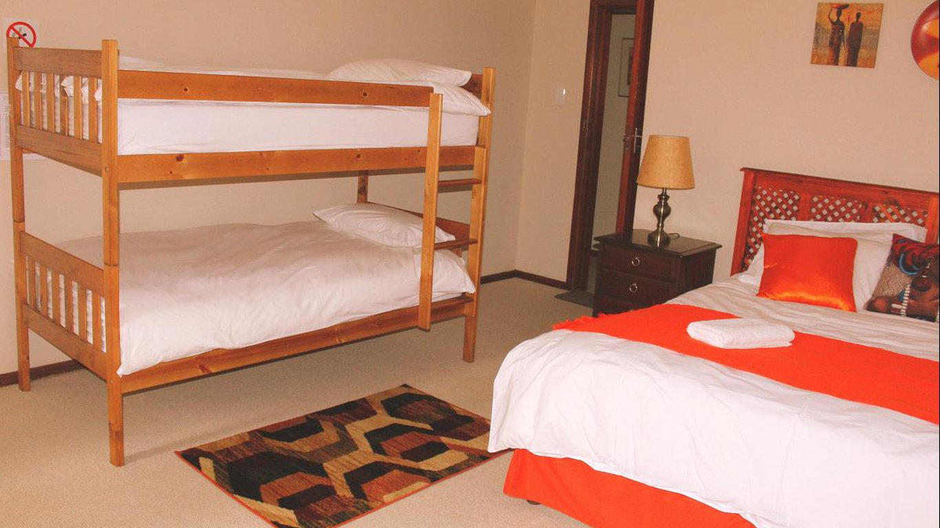 Picture of: African Aquila Guest Lodge In Walmer Port Elizabeth Best Price Guaranteed