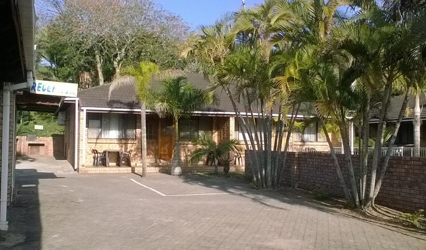 Flamboyant self catering holiday flats in St Lucia, KwaZulu-Natal, South Africa