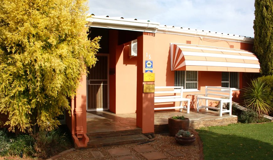 Rolbos Guest House is situated in the heart of Calvinia and offers separate self-catering units and separate guest rooms.