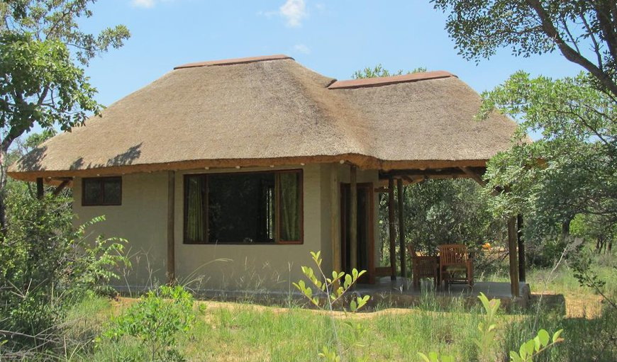 Leopard Lodge side view