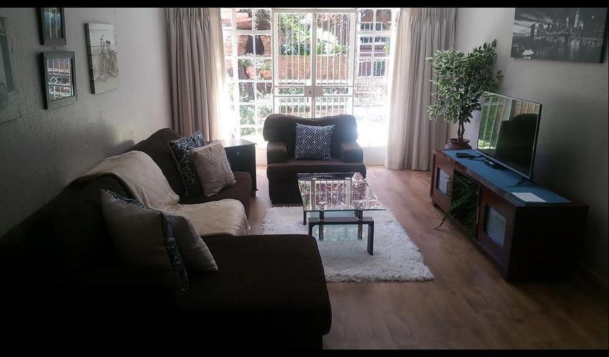 One Bedroom Apartment in Woodmead, Johannesburg (Joburg), Gauteng, South Africa