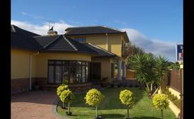 Summerstrand Beach Lodge image
