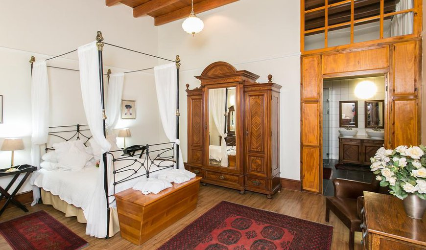 Antique Room with double bed, air-con, DSTV and Wi-FI.