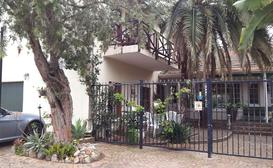 Mavilla Stellenbosch Guest House and B&B image