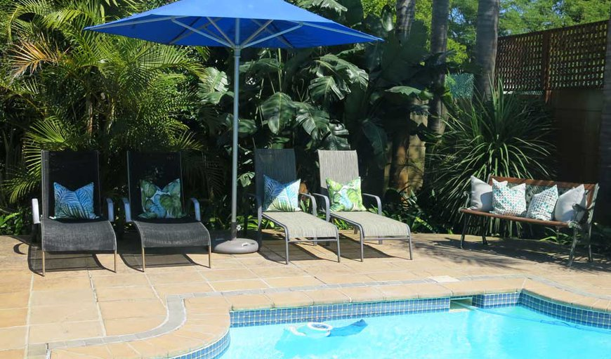 The beautifully maintained, spacious gardens of Oakvale Lodge Guest House provide spectacular views of world famous Table Mountain from the Devil's Peak side and the sparkling, salt water swimming pool is easily accessible from all the guest rooms.