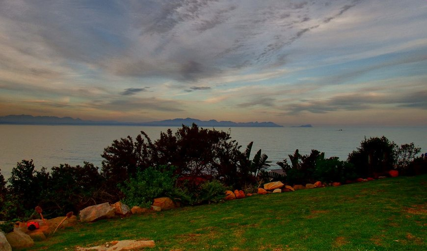 SeasCape Guesthouse is situated in False Bay and offers two self catering units.