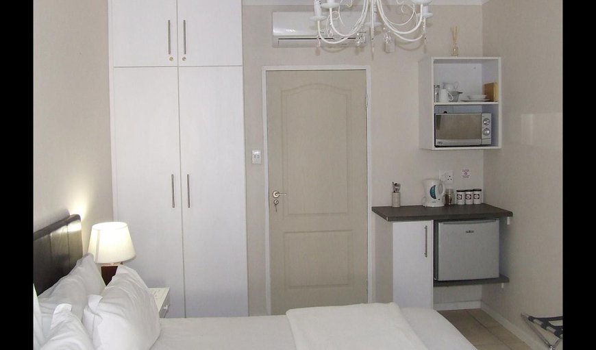 Room 1 - Double Room  (king size or twin beds)