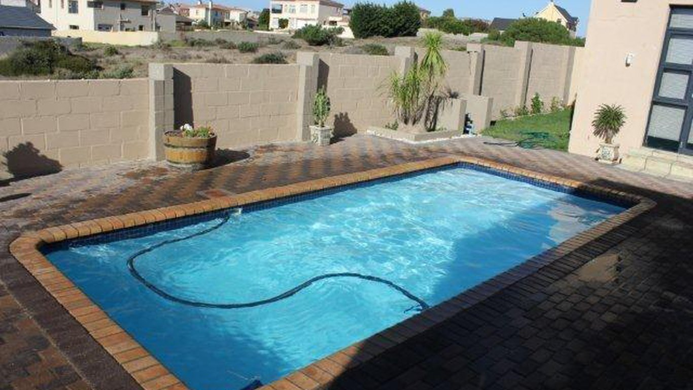 Langebaan Holiday House On Park In Myburgh Park Langebaan Best Price Guaranteed