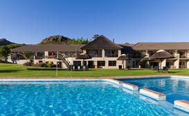 Piekenierskloof Mountain Resort image