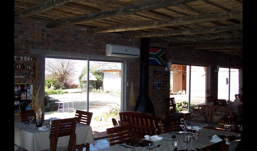Rondefontein Guest Farm dinning area.