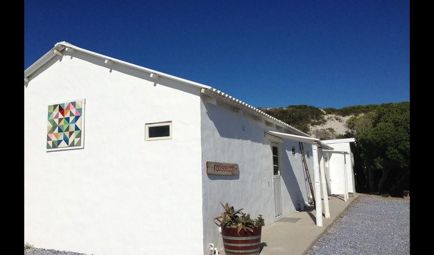 Rooisee Beach Cottage
